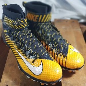NIKE LUNARBEAST ELITE FOOTBALL CLEATS 14